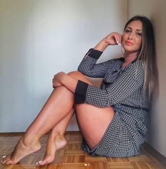Serbian-Foot-Fetish-Slutty-Milf-w71roauoz1.jpg