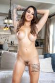 Alexis Zara - What SHOULD Happen at Fight Clube75is2pdzh.jpg